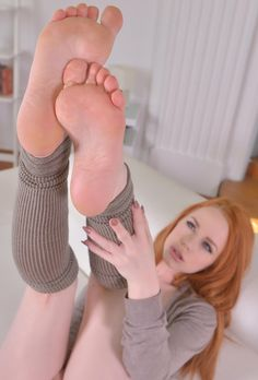 Sexy foot show