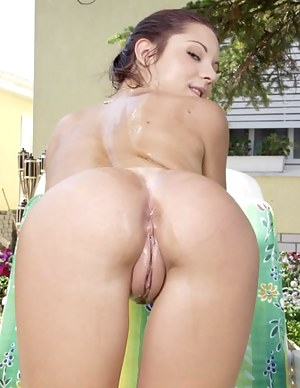 Girls with big pussy nude
